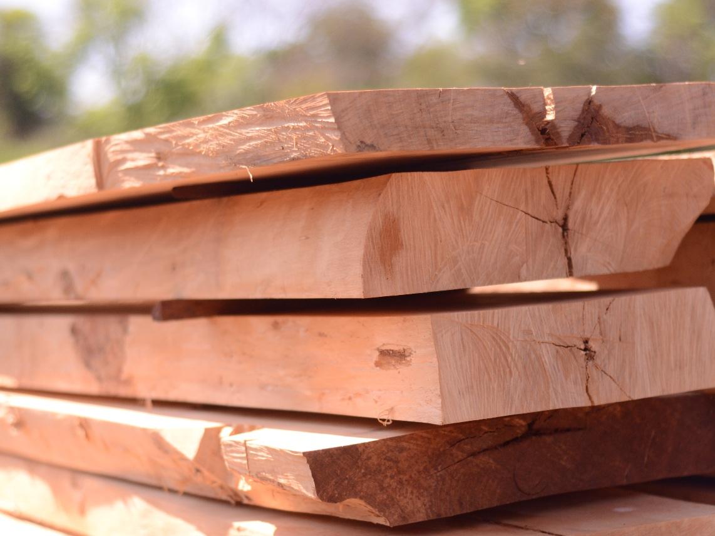 Comment Traiter Du Bois Brut entretien naturel du bois